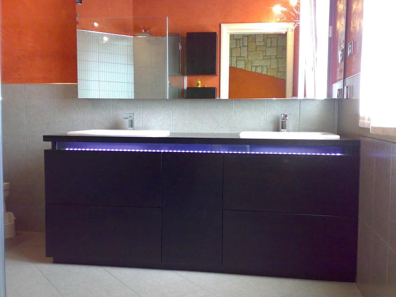 mobili per arredo bagno realizzati in falegnameria su misura - Mobili Per Arredo Bagno